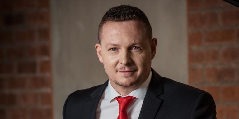 Ronnie Bornman, retail portfolio solutions portfolio manager